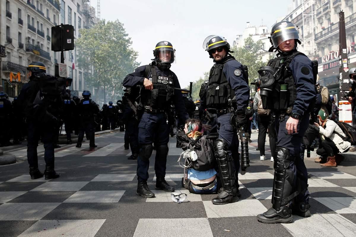 Макронов режим превентивно похапсио 165 људи, 7.500 полицајаца тукли све редом! 2