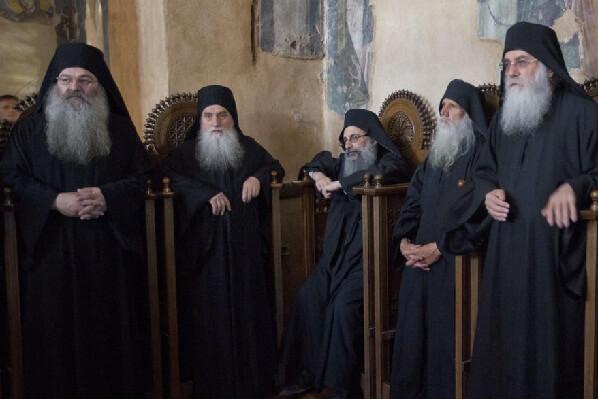 Светогорски старци због Украјине устали против патријарха Вартоломеја