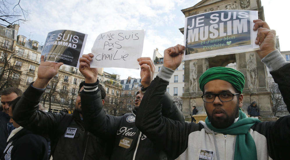 Европа се запетљала и са самом собом и са исламом, а ако се не одбрани - постаће калифат