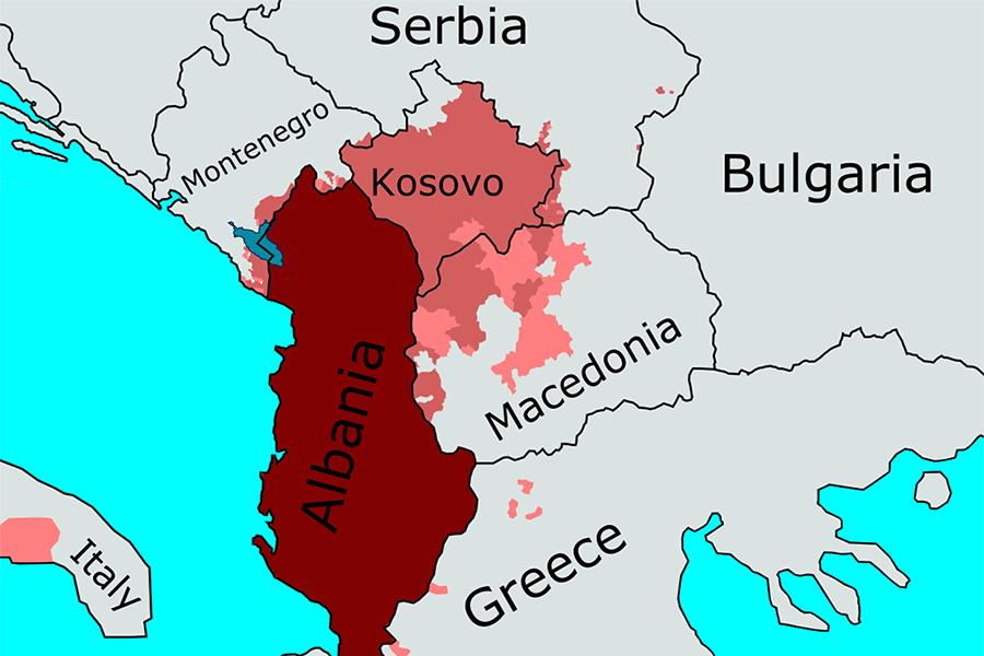 """На Македонију удара """"Велика Албанија"""" па Иванов има право да употреби и војску"""