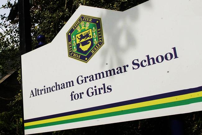 """Школа за девојчице у Манчестеру забранила употребу речи """"девојчица"""" и """"девојчице"""""""