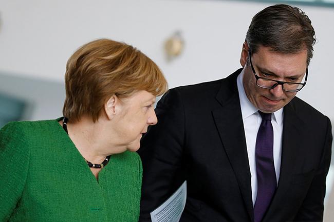 """Меркелова подиже свој """"кинески зид"""" између Србије и Кине и низа других држава"""