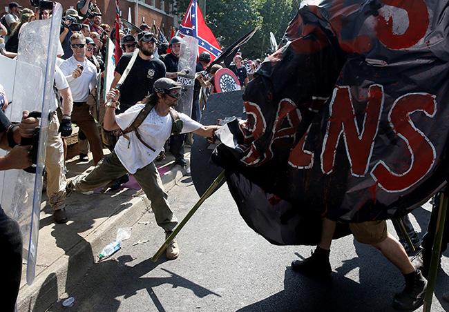 Шарлотсвил је побуна оних који се противе брисању историје Југа