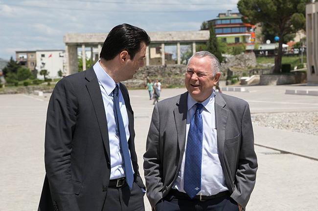 Утицајни амерички конгресмен Рорабахер предложио – поделу Македоније