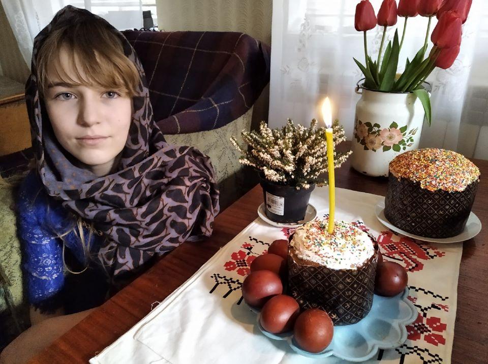 Ево како пише најмлађи члан Савеза писаца Луганске Републике 11-годишња Фаина Савенкова
